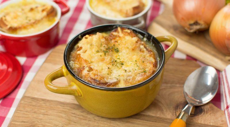 Cómo hacer sopa de cebolla francesa