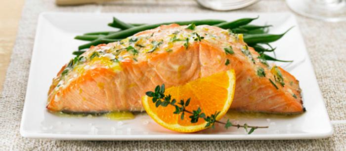 Salmon a la mantequilla cítrica con hierbas