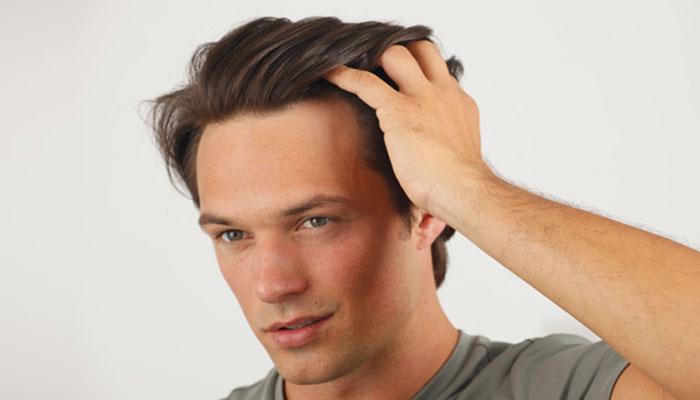 La salud del cabello del hombre y la alimentación