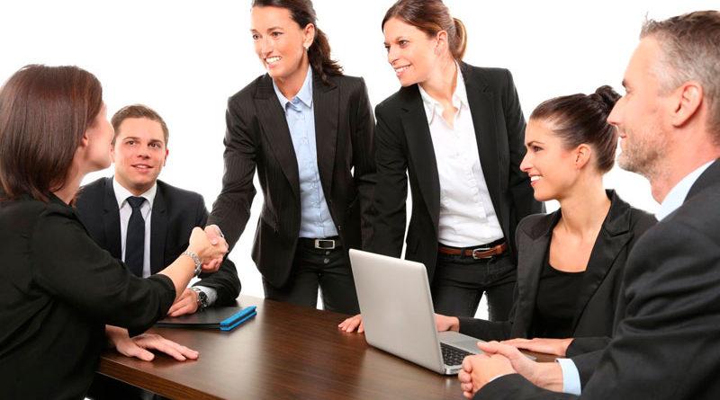 Cómo pueden los introvertidos desarrollar habilidades de liderazgo
