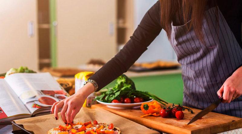 4 ideas para ganar dinero cocinando sin ser chef
