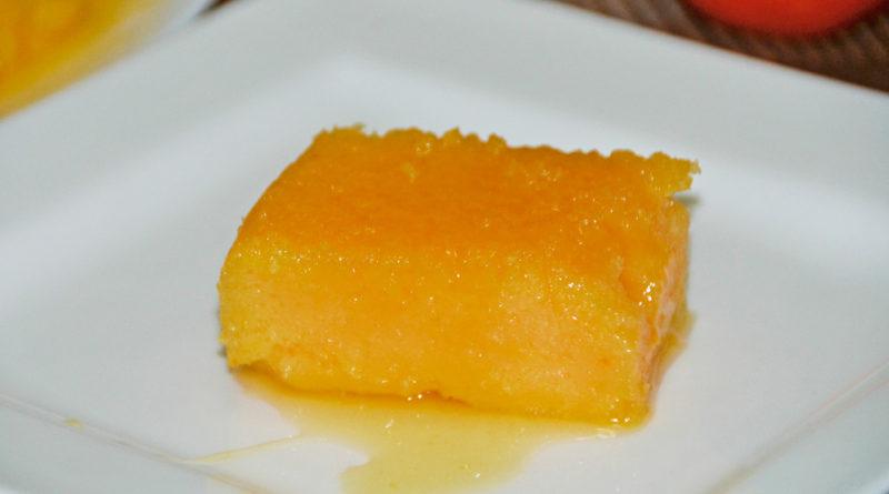 Torta tai de leche de coco con sirope de jengibre