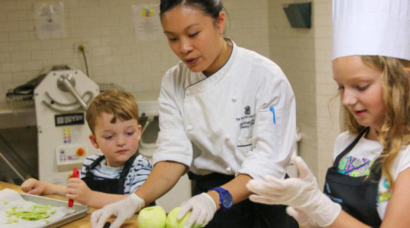Cocinar con niños: recetas, ideas y juego divertidos