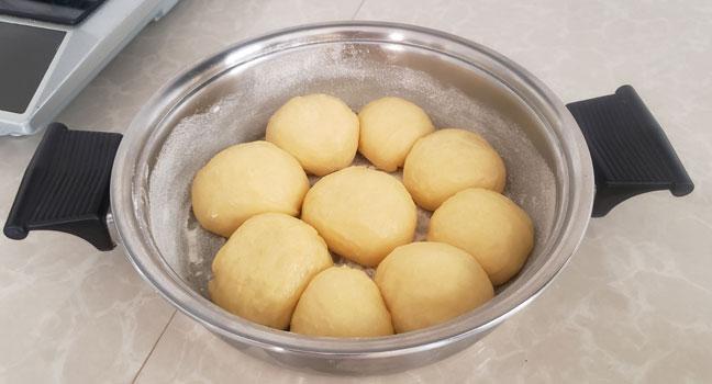 pan dulce en cocina de inducción